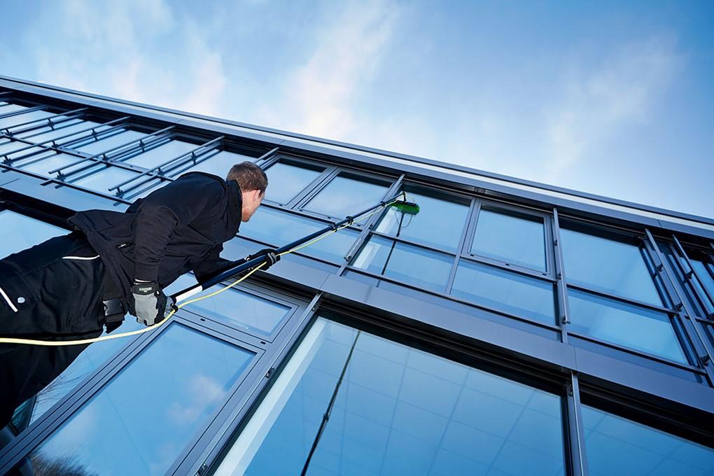 Innovative Glas- und Fassadenreinigung